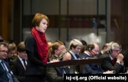 Заступник міністра закордонних справ України Олена Зеркаль під час виступу в Міжнародному суді ООН, який розглядає позов проти Росії. Гаага, 6 березня 2017 року