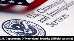 Логотип USCIS – Службы гражданства и иммиграции США