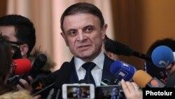 Armenia - The chief of the Armenian police, Valeri Osipian, speaks to journalists in Yerevan, December 20, 2018.
