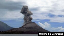 Вулкан Анак Кракатау (Индонезия), извержение 2008 года