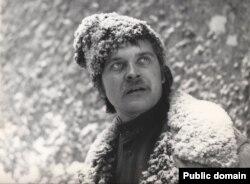Іван Миколайчук у фільмі «Білий птах з чорною ознакою», знятому студією Довженка у 1971 році