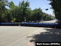Баррикады на проспекте маршала Баграмяна, утро 30 июня