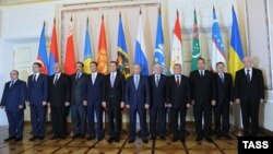 A meeting of the prime ministers of CIS member states at the Constantine Palace in St. Petersburg in October, where Putin triumphantly announced an agreement to form a free-trade zone after years of fruitless negotiations.