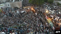 Сторонники оппозиции во время акции протеста. Исламабад, 18 августа 2014 года.