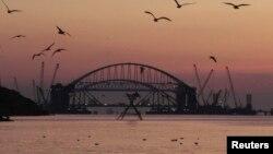 Арка Керченского моста. Архивное фото