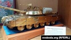 «Залаты» танк Пятра Парашэнкі