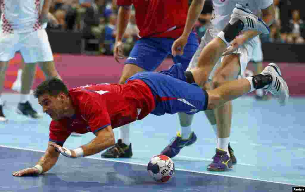 Матч з гандболу між Хорватією і Сербією