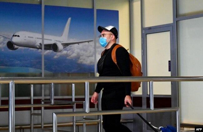 Під час пандемії коронавірусу кількість авіаподорожей різко зменшилась