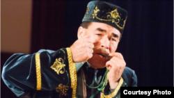 Япониядә узган концертта җырчы Рөстәм Маликов