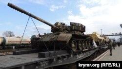 Виставка зброї, захопленої у бойовиків у Сирії, Керч