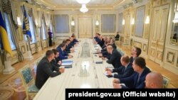 Повідомлення Офісу президента не містить імен підприємців, які зустрілися з президентом