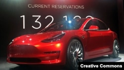 Tesla Model 3 электромобилинин прототиби. 31-март 2016.