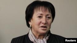 Помимо еженедельного приема граждан, Джиоева вместе с помощниками пытается успеть отреагировать и на поданные на ее имя заявления