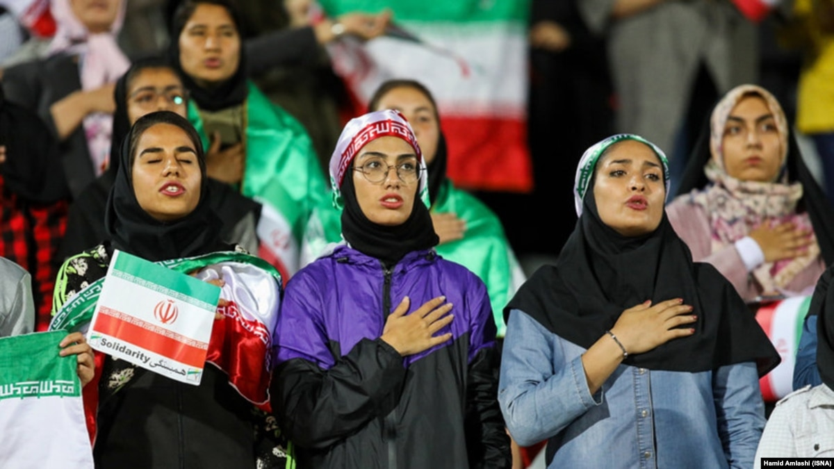 Irans Prosecutor Says Its A Sin For Women To Watch Men -3406