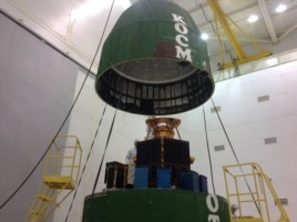 """Спутник """"Таблетсат-Аврора"""" устанавливают на ракету-носитель """"Днепр-1"""", с ним же на орбиту отправились два Perseus-M """"Даурии"""""""