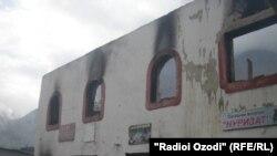 Сообщение о пожаре поступило в 23.30.