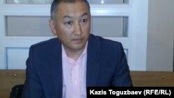 Мырзахан Бисенбаев, представитель полковника запаса КНБ Андрея Коркина, подавшего в суд на Академию пограничной службы КНБ. Алматы, 11 июня 2015 года.