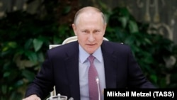 Putin noyabrın 28-də İlin Ailəsi milli müsabiqəsinin qalibləri ilə görüşdə olub