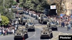 Ռուսական արտադրության զինտեխնիկա Երևանում Հայկական բանակի զորահանդեսի ժամանակ, արխիվ