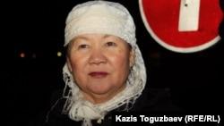 Нурияш Абдреймова, руководитель Мангистауского областного филиала оппозиционной Коммунистической партии и бывший работник «Каражанбасмуная». Актау, 23 декабря 2011 года.