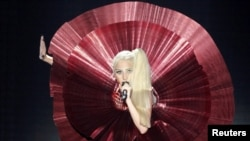 Леди Гага, американская певица.