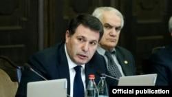 Арам Арутюнян в бытность министром охраны природы (архив)