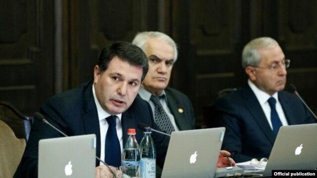 Armenia - Environment Protection Minister Aram Harutiunian speaks at a cabinet meeting in Yerevan, 27Feb2014.