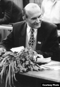 Зянон Пазьняк, травень 1994 г. Пінск