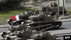 Армия Бахрейна пытается не допустить развитие ситуации по египетскому сценарию