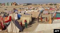 Кундуздагы качкындар лагери. 14-май, 2015-жыл.