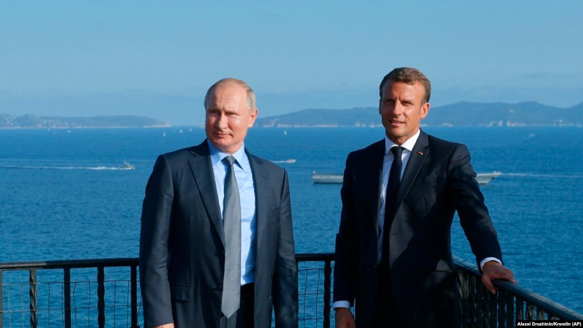 Макрон приедет в Москву на празднование 75-летия Победы – глава МИД Франции