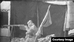 """А.А.Лебедевдин """"Көтөрүлүшчүлөр. 1916-жыл"""" аттуу айкелинин чакан көчүрмөсү. Казакстан."""