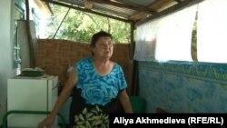 Жительница поселка Коктума Людмила Чернобаева. Алматинская область, 23 августа 2015 года.