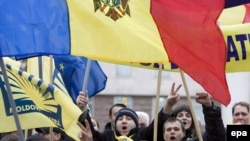 Will Moldova's protesters be divided now on the national-language issue?