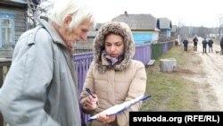 Алена Луцковіч зьбірае подпісы