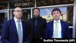 Karim Baratov-un vəkilləri, soldan sağa- Robert Fantone, Amedeo DiCarlo və Andrew Mancilla