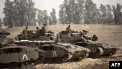 Israeli tanks stationed at the Israeli-Gaza Strip border on November 16