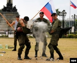 Российские морские пехотинцы на показательных выступлениях в Маниле. 5 января 2017 года