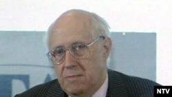 Mistislav Rastropoviç 1927-ci ilin martında Bakıda anadan olub