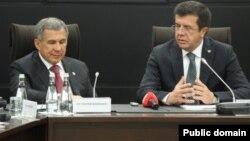 Татарстан президенты Рөстәм Миңнеханов һәм Төркия икътисад министры Ниһат Зейбекчи (Анадолу агентлыгы рәсеме)
