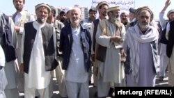 منسوبین سابق وزارت دفاع افغانستان پیش از این نیز چنین مظاهراتی را راه اندازی کرده و خواهان حل مشکل شان شده بودند.