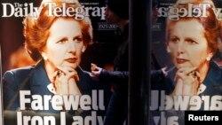 Австрали -- Британин премьер-министр лаьтинчу Тэтчер Маргаретан сурт тlехь долу газета, Сидней, 09Оха2013