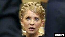 """Hibsda saqlanayotgan Ukraina sobiq bosh vaziri Yuliya Timoshenko tarafdorlari Facebookda uning """"rasmiy vakilligi""""ni ochishdi."""