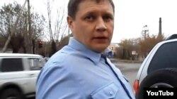 Полиция полковнигі Владимир Зиборов ( YouTube видеосынан скриншот)