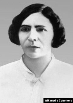 Sovet Azərbaycanı Maarif komissarı, siyasətçi və ictimai xadim Ayna Sultanova.