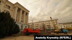 Qırım akimiyeti binası yanında tamir işleri, yanvar 29