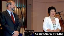 Жания Аубакирова в бытность ректором Казахской национальной консерватории имени Курмангазы.