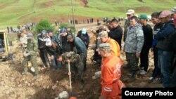В КР в результате схода оползня погибли 6 человек, 12 пострадали