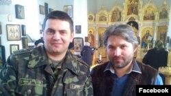 Александр Дедюхин (справа)