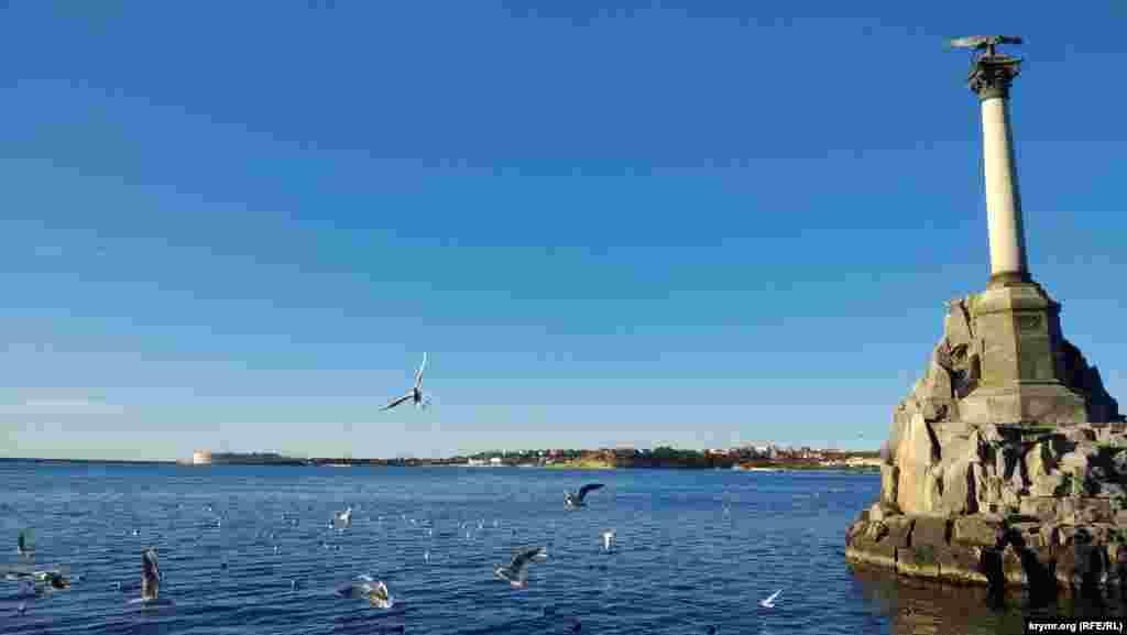 Архитектурный символ Севастополя – памятник затопленным кораблям
